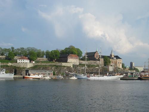 Akerhus desde el fiordo de Oslo, Oslo. Noruega