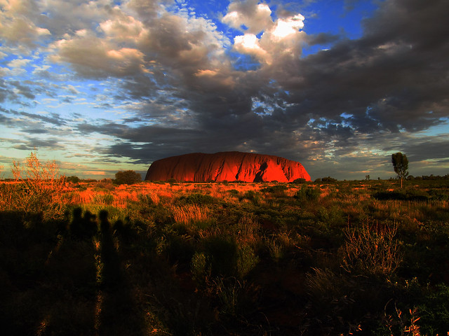 Uluru: El ombigo del mundo. Parque Nacional Uluru-Kata Tjuta. Australia