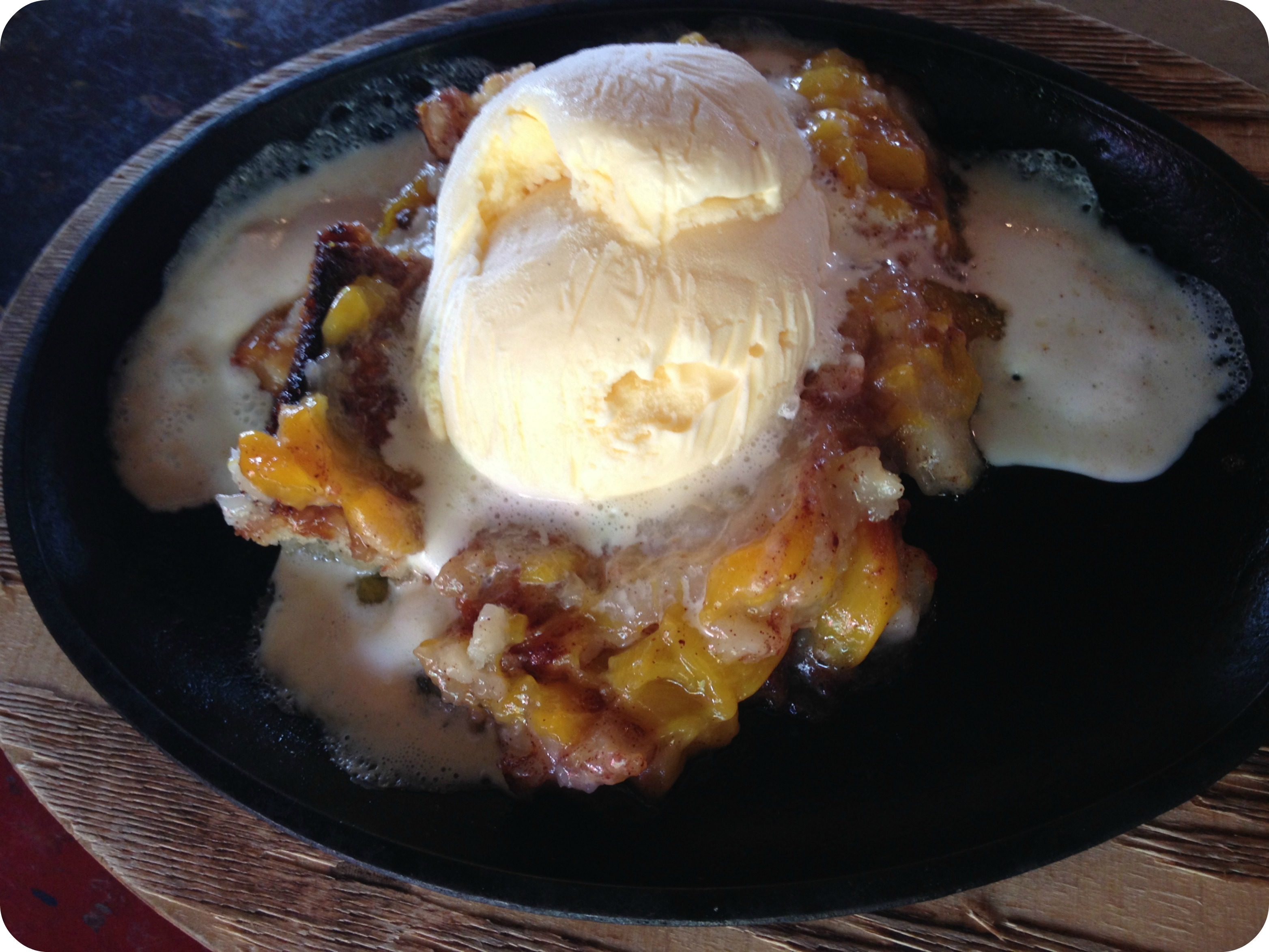 Willie's Peach Cobbler