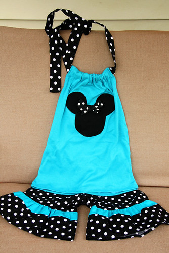 Auttie_Minnie-Outfit