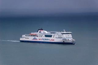 Un des très nombreux ferry qui arrivent à Dover