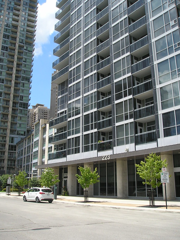Onyx Condo Lofts Square One