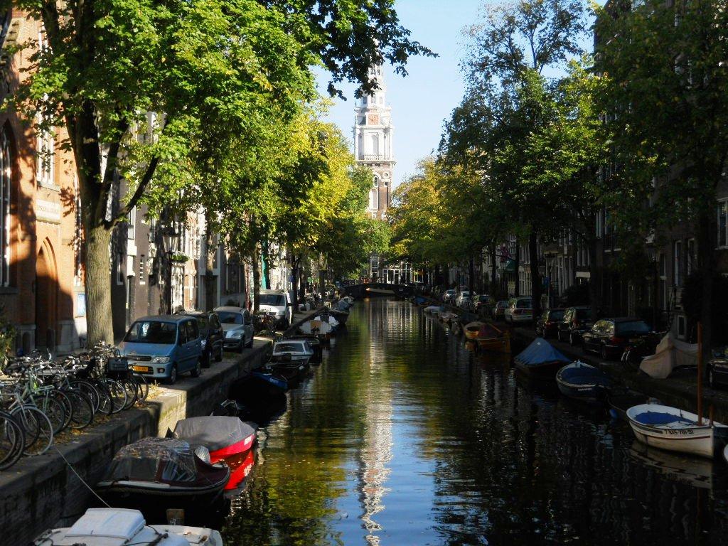 23. Típico canal en Ámsterdam. Autor, Joao Maximo