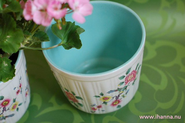Thrifted Flower Pot (with turquoise inside!)