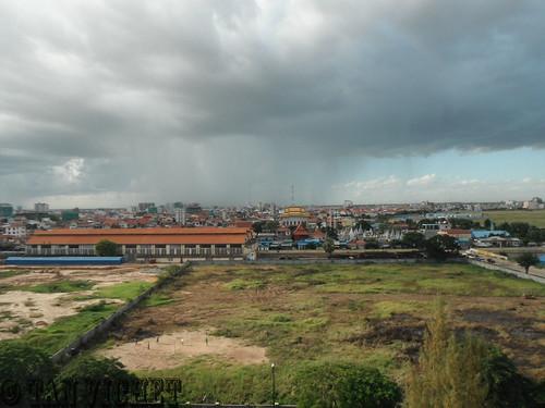cambodia phnompenh raining