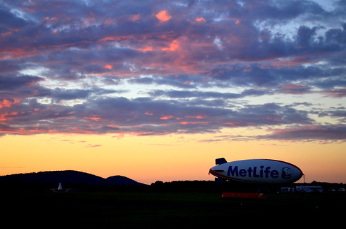 new sunset station clouds plane airport whitehouse jersey blimp metlife readington metlifeblimp thorsolberg