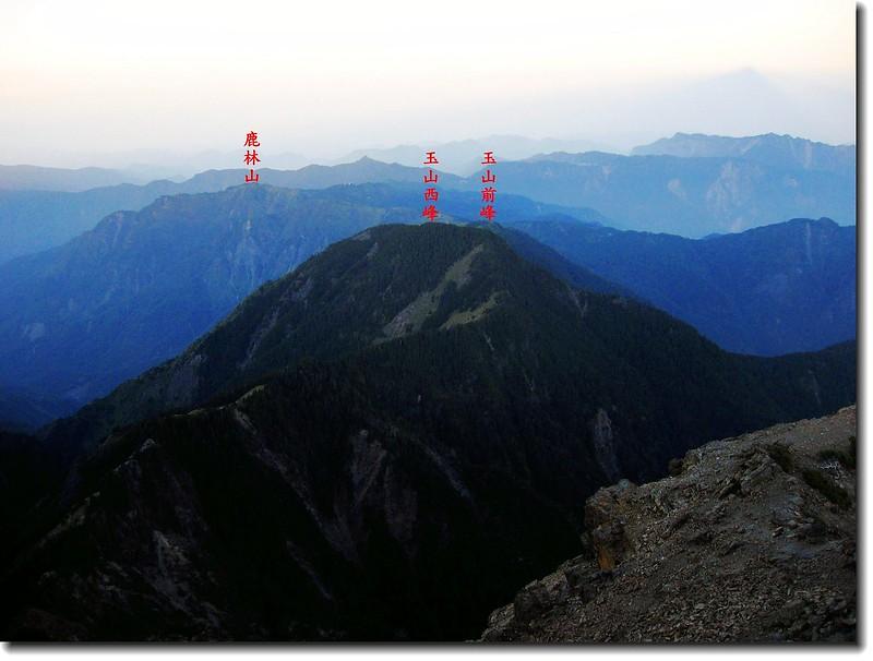 玉山頂俯瞰西邊山頭 2