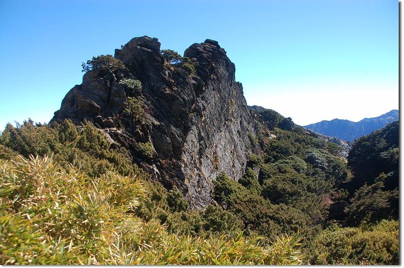 合歡主山步道巨岩