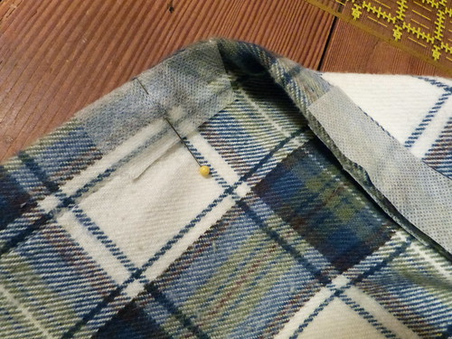 Marking Buttonhole Placement - Use The Plaid!