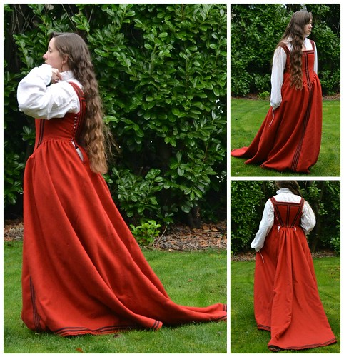Newly Trimmed!, 16th century kirtle on MorganDonner.com