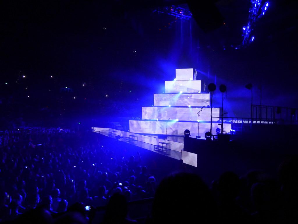 Muse muse 07 december 2013 rod laver arena melbourne for Door 9 rod laver arena