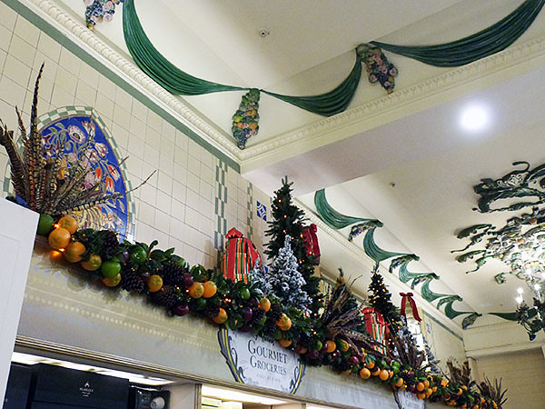 plafond food hall