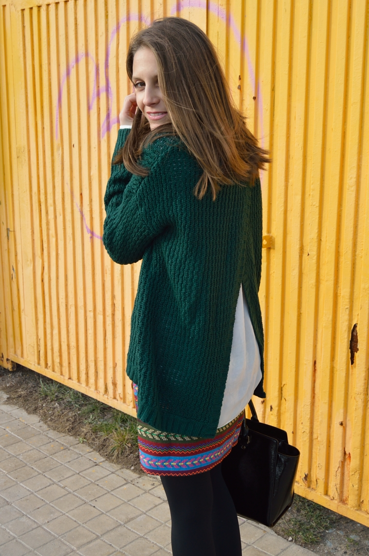 lara-vazqquez-madlula-blog-green-look-ethnic-skirt