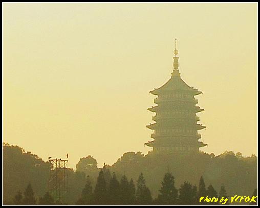 杭州 西湖 (其他景點) - 530 (西湖十景之 柳浪聞鶯 在這裡準備觀看 西湖十景的雷峰夕照 (雷峰塔日落景致)