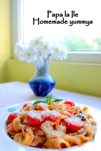Paste proaspete cu rosii usturoi si busuioc (1)