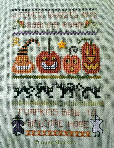 Shepherds Bush-Happy Pumpkin Needle Roll