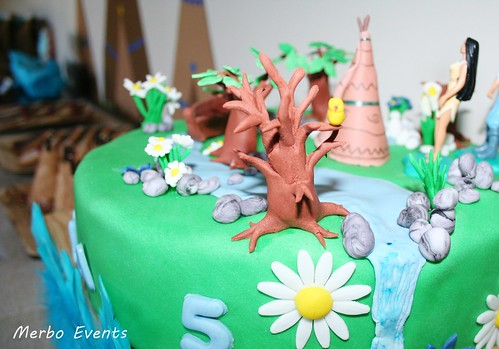 Detalle Tarta Sweet table Pocahontas  Merbo Events