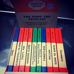 The first 10 Penguins! Finding treasures: never read collector set of #books.