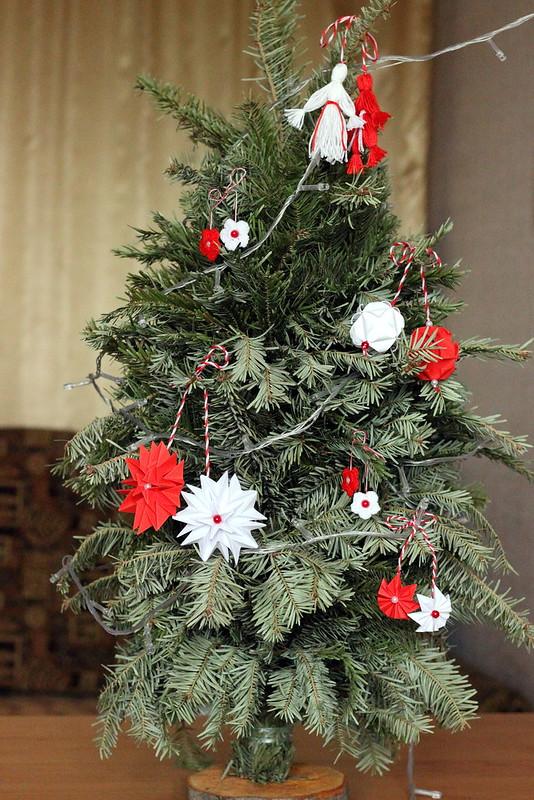 Приключения новогодней елки продолжаются :)