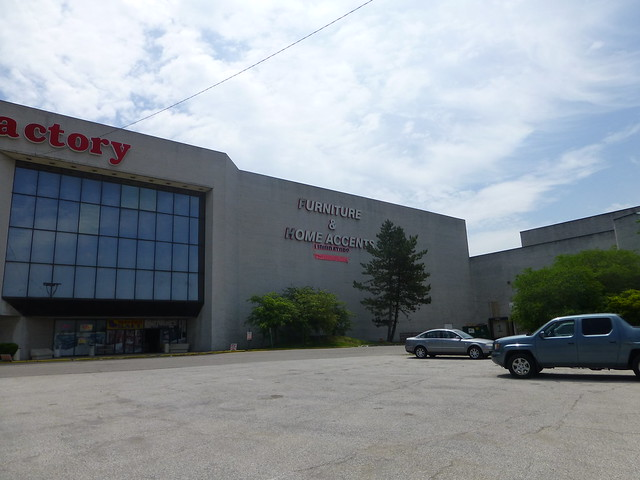 Former horne 39 s department store in north randall ohio - Burlington coat factory garden city ...