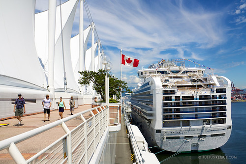 Today in Vancouver: Neighbor to the Sails