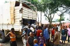 New refugees arriving, Bubukwanga transit center