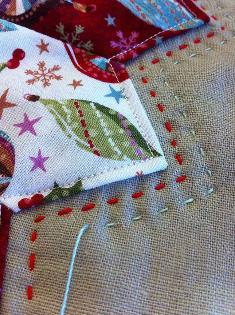 Hand Quilting the Dresden Plate Christmas Pillow