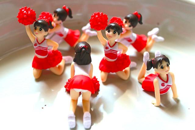 パンダの穴 アミーゴガールズ 机の上からチラリーダー Amigo girls gashapon