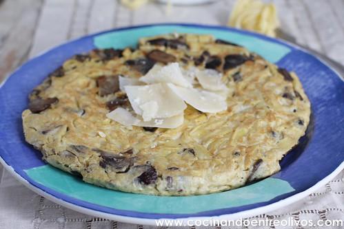 Fritatta de setas y pasta www.cocinandoentreolivos (2)