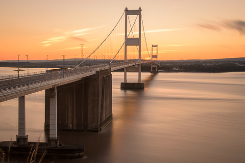 sunset suspension metallic severn pylon cables flowing aust severnbridges