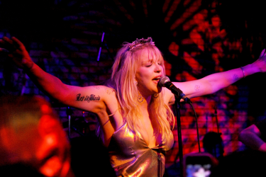 Courtney Love - libel - Yelp