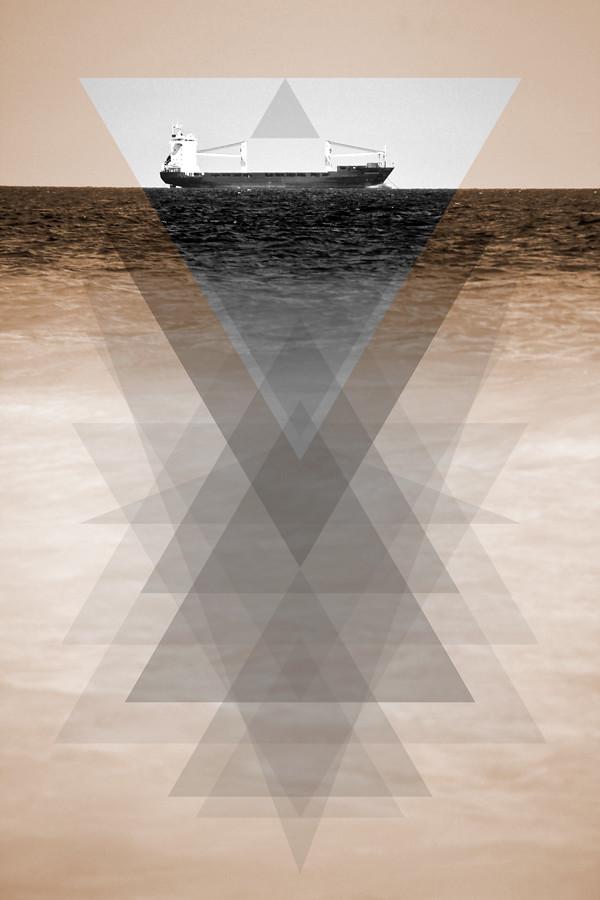 Båt med trianglar