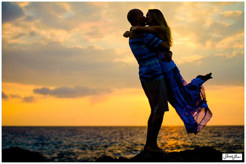 10_couple_kissing_sunset_hawaii.jpg