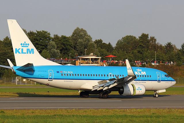 KLM - B737 - PH-BGK (1)