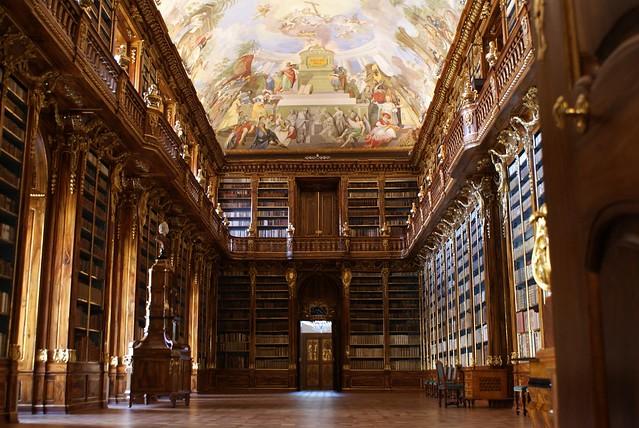 > Bibliothèque de Strahov à Prague sur les hauteurs de Petrin
