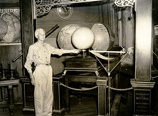 Lou H. Staton lecturing on the Koreshan hollow earth theory.