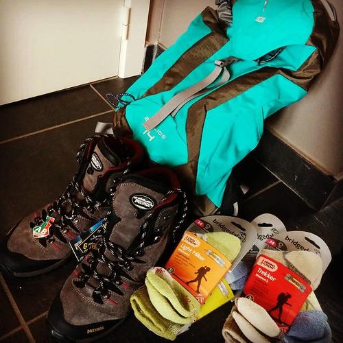 Yessss. Nu ben ik er pas echt klaar voor. 😍 #hiking #hikingsummer #meindl #asadventure