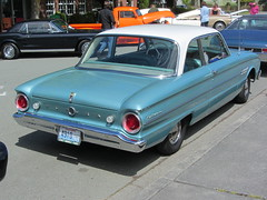 full-size car(0.0), ford galaxie(0.0), convertible(0.0), automobile(1.0), automotive exterior(1.0), vehicle(1.0), compact car(1.0), antique car(1.0), sedan(1.0), ford falcon (australian version)(1.0), classic car(1.0), land vehicle(1.0),