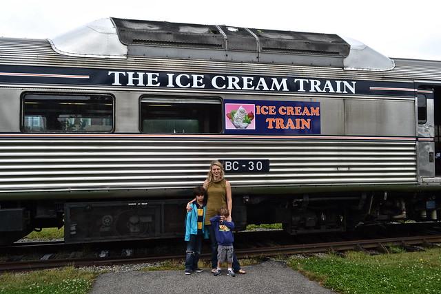dinner train tour newport rhode island