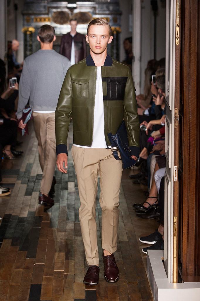 SS14 Paris Valentino017_Valters Medenis(fashionising.com)