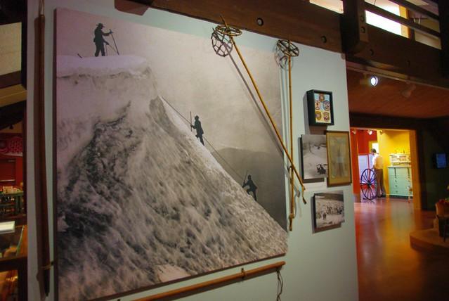 フッドリバーミュージアム。マウントフッド登山の歴史展示