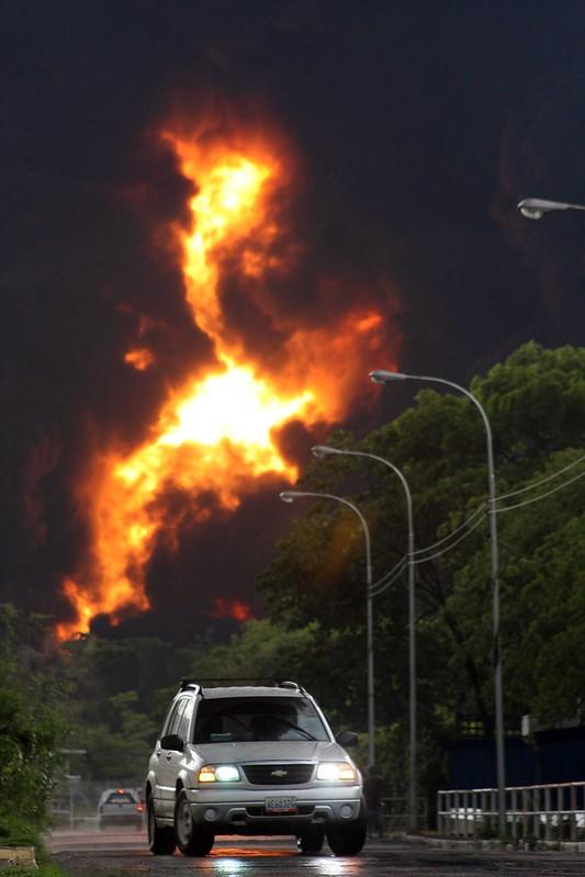 (2)VENEZUELA-PUERTO LA CRUZ-ACCIDENTE-REFINERIA