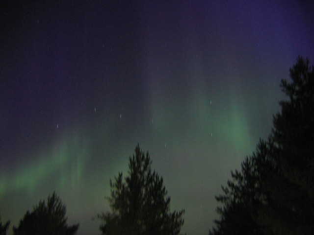 Una aurora Boreal sobre Finlandia