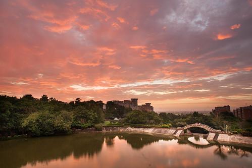 sunset day cloudy 中正大學 寧靜湖