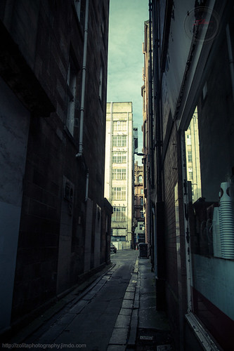 Alleyway me, alleyway you by xxx zos xxx