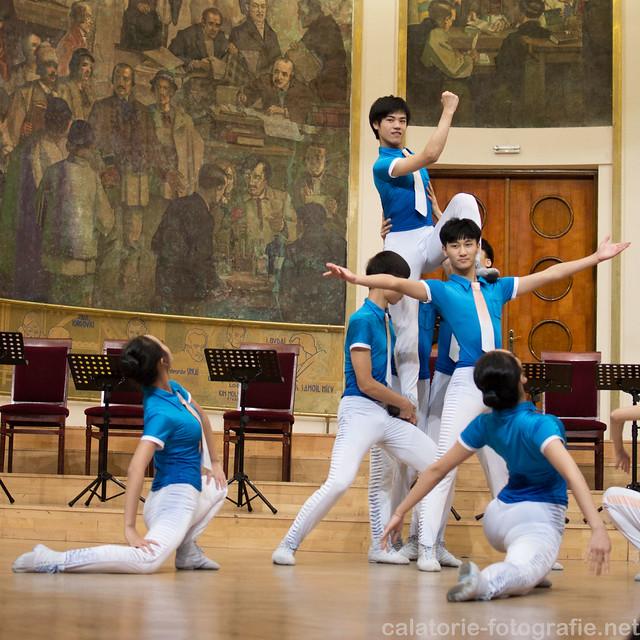 Spectacolul de artă tradițională chinezească, văzut prin obiectivul de 35 mm f/1,8 10198091266_aefb400468_z