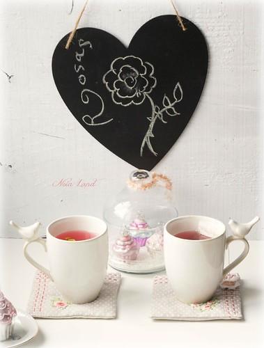 Posavasos rosas bordadas