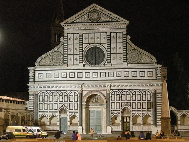 800px-Santa_maria_novella_by_night_03