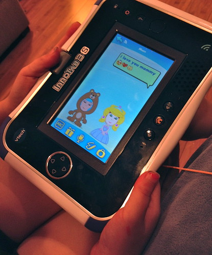 Playing with the VTech InnoTab 3S - Kid Connect