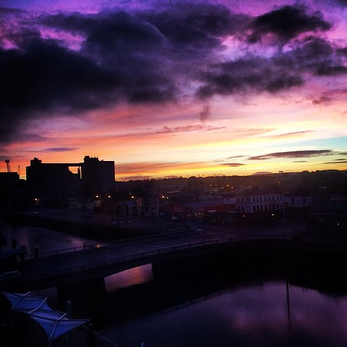 city ireland sunrise river square cork lofi squareformat riverlee portofcork iphoneography instagramapp uploaded:by=instagram foursquare:venue=4e688964d4c0c5709057be19